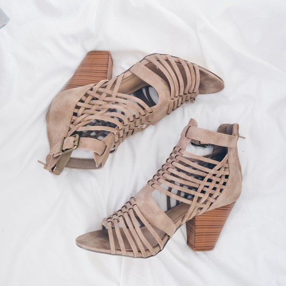 JustFab Shoes | Size 11 Wide Width Tan